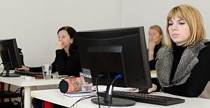 Studenti v počítačové učebně